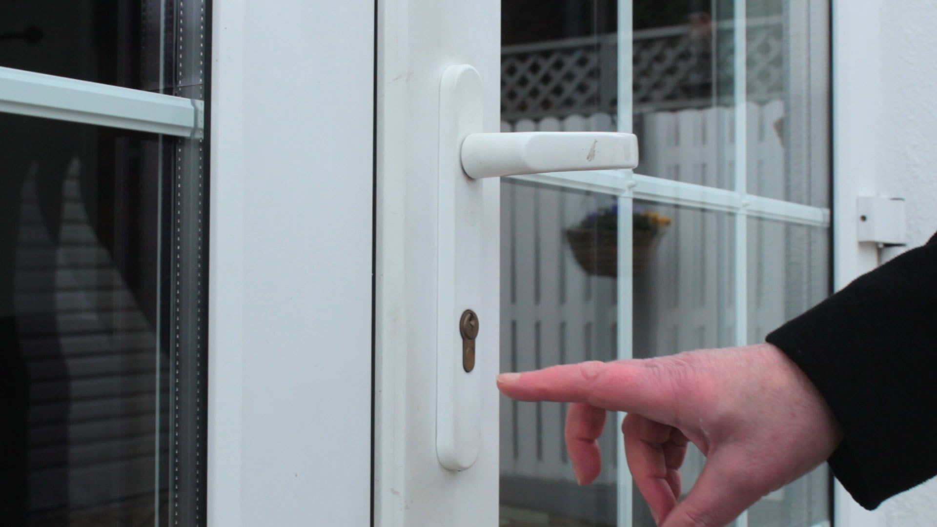 Securing french doors zentry forced entry solutions uk snapping or bumping the euro cylinder lock rubansaba